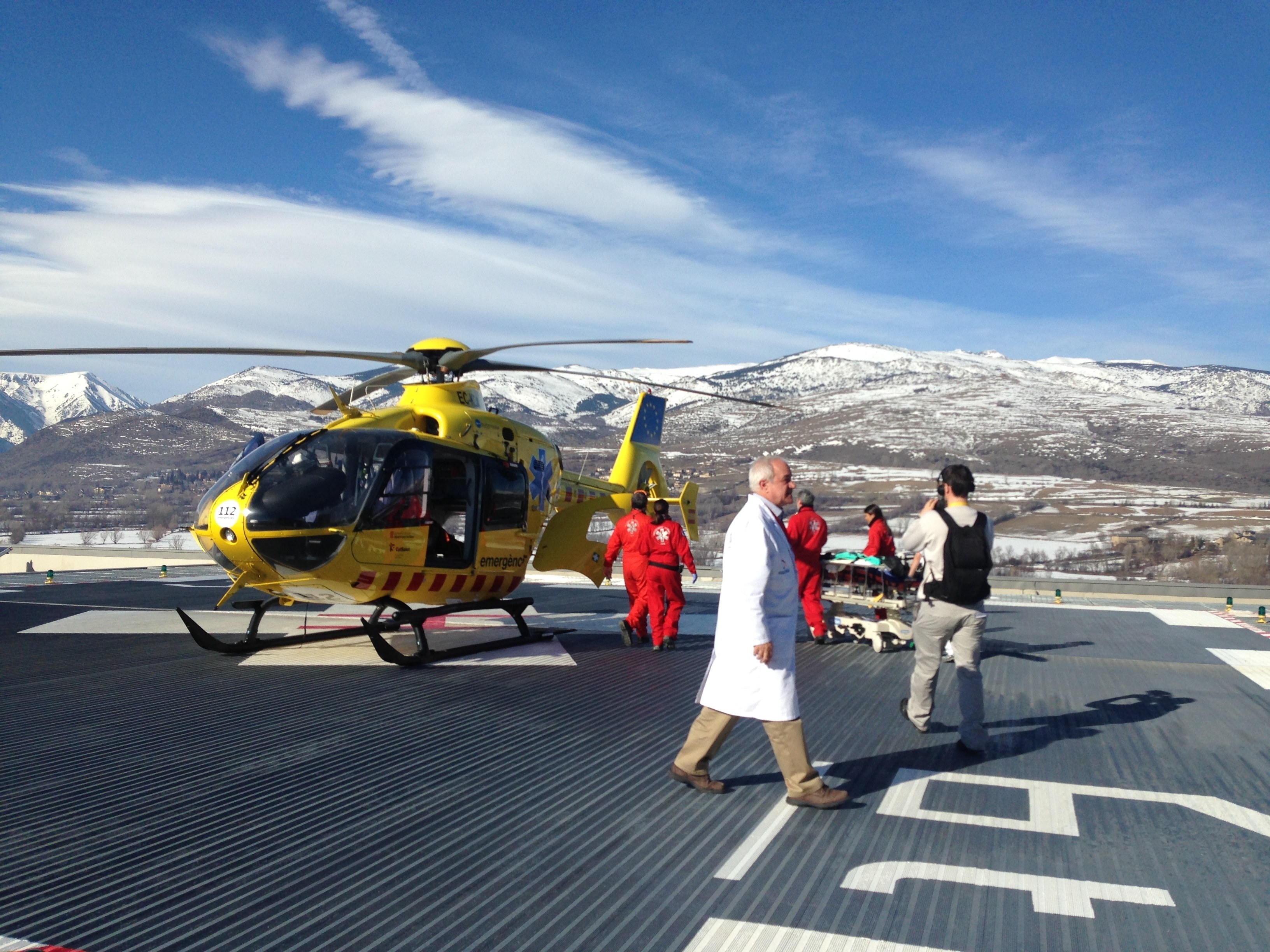 A patient is airlifted from Cerdanya hospital. © AECT-HC