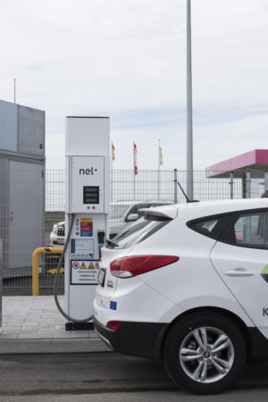 Hydrogen car refueling